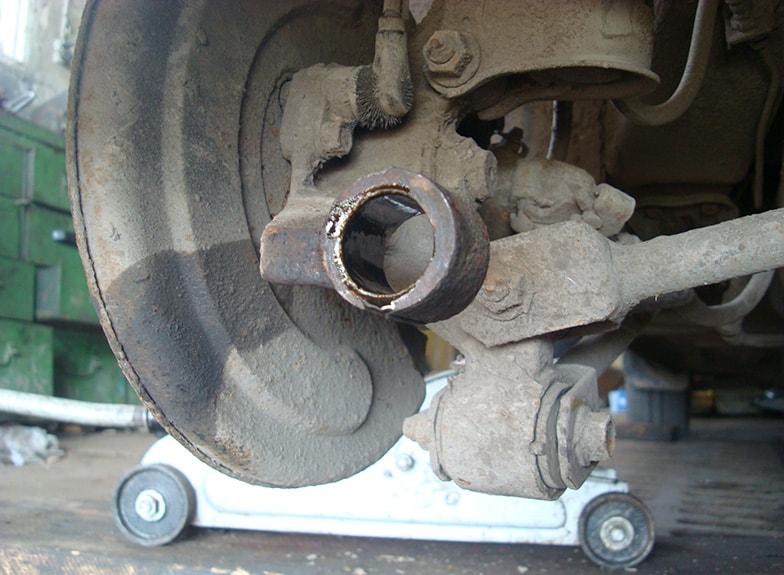 Замена сайлентблока Хендай, замена сайлетблоков передних и задних рычагов Hyundai